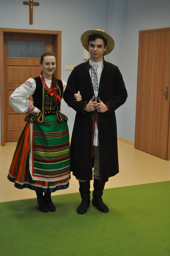 """Spotkanie z polskim folklorem w Przedszkolu """"U Lolka"""""""