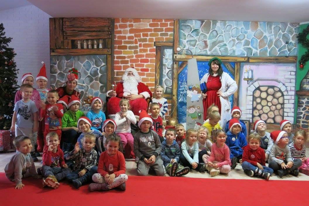 Wycieczka do Wioski Świętego Mikołaja i Mikołajki w przedszkolu